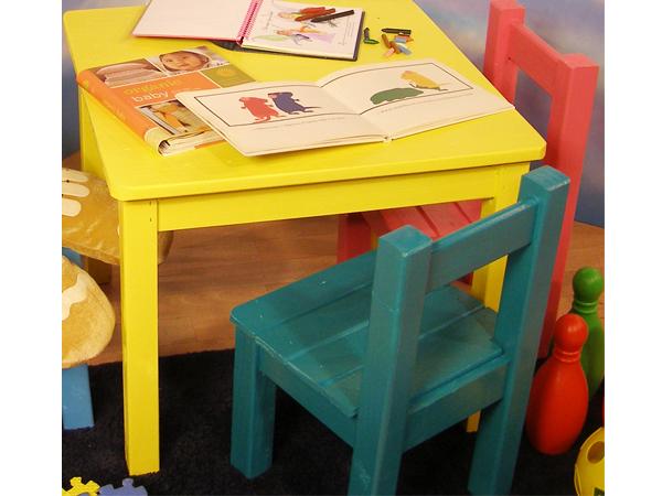 Mesa y sillas infantiles for Mesa y sillas ninos