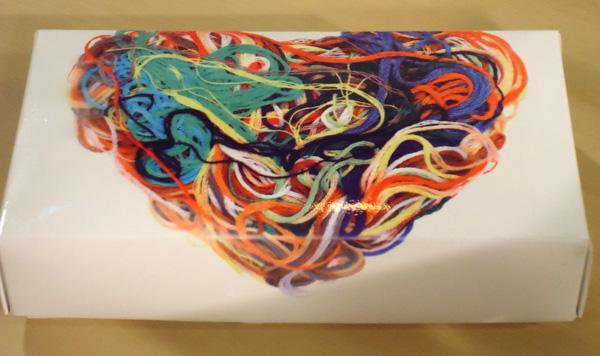 Sublimaci n sobre cajas for Como pegar papel mural en madera